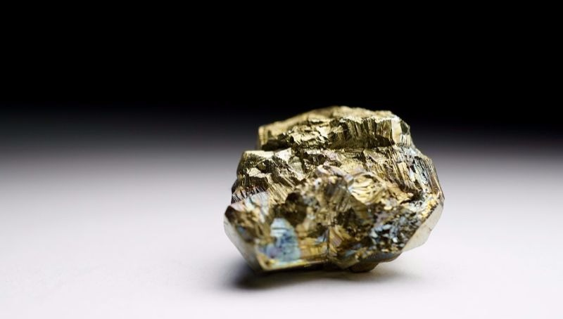 INDUSTRY 8- pyrite-626549_1280 800